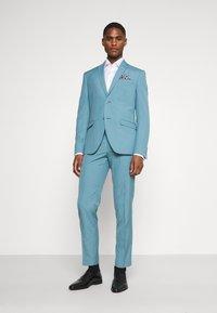 Isaac Dewhirst - PLAIN SUIT SET - Suit - turquoise - 0