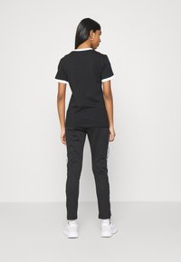 adidas Originals - STRIPES TEE - T-Shirt print - black - 2