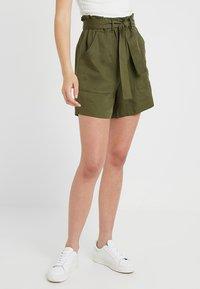 KIOMI TALL - Shorts - olive night - 0
