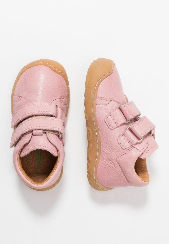 MINNI MEDIUM FIT - Sko med borrelås - pink