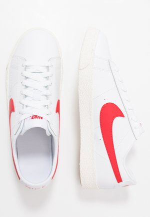 BLAZER - Baskets basses - white/university red/sail/light brown