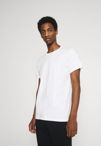 Calvin Klein Underwear - CLASSICS CREW NECK 3 PACK - Undershirt - white - 1