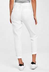 Next - WHITE 100% LINEN TAPER TROUSERS - Trousers - white - 1