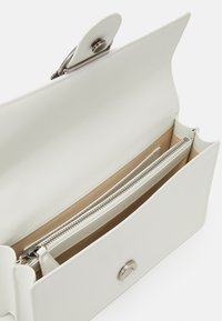 Pinko - LOVE CLASSIC ICON SIMPLY OLD - Across body bag - white - 3