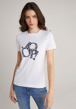 TAMI - Print T-shirt - weiß/navy