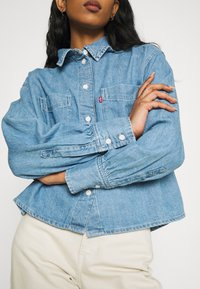 Levi's® - ZOEY PLEAT UTILITY - Skjortebluser - stay cool - 3