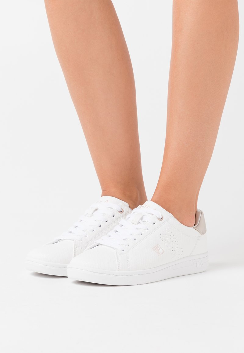 Fila - CROSSCOURT 2 - Trainers - white/sepia rose