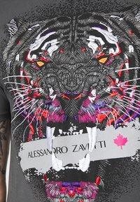 Alessandro Zavetti - SAVAGE TEE - Triko spotiskem - grey - 4