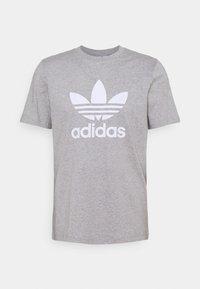 adidas Originals - TREFOIL T-SHIRT ORIGINALS ADICOLOR - T-shirt med print - medium grey heather/white - 5