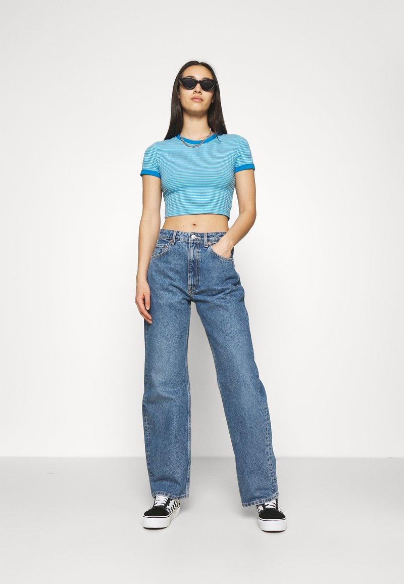 Weekday - GEMINI 2 PACK - T-shirt con stampa - blue/black