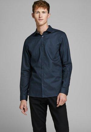 HEMD SLIM FIT - Formal shirt - navy blazer