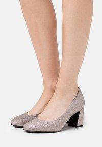 Tamaris - COURT SHOE - Classic heels - space glam - 0