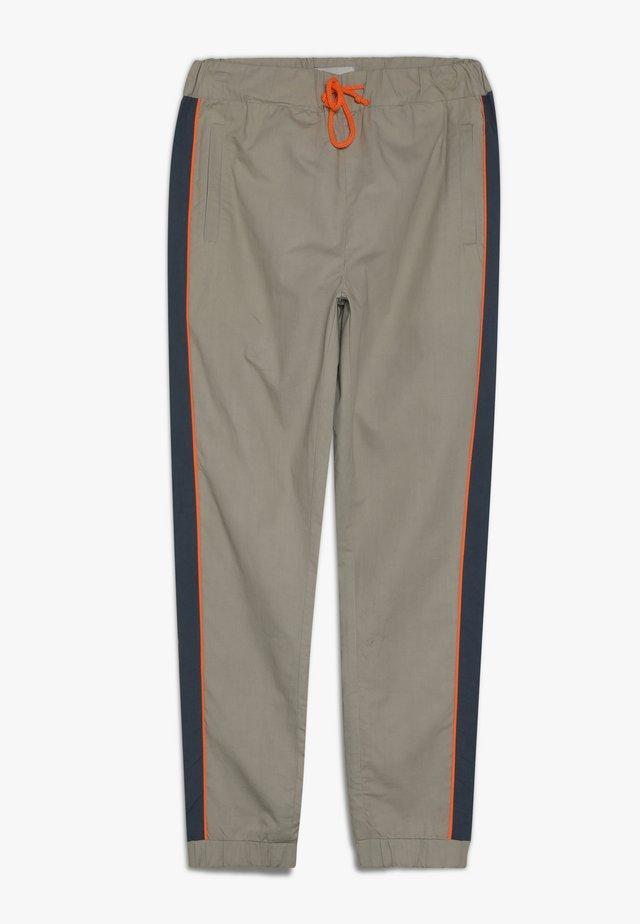 FREDRICH PANTS - Pantaloni - orien blue