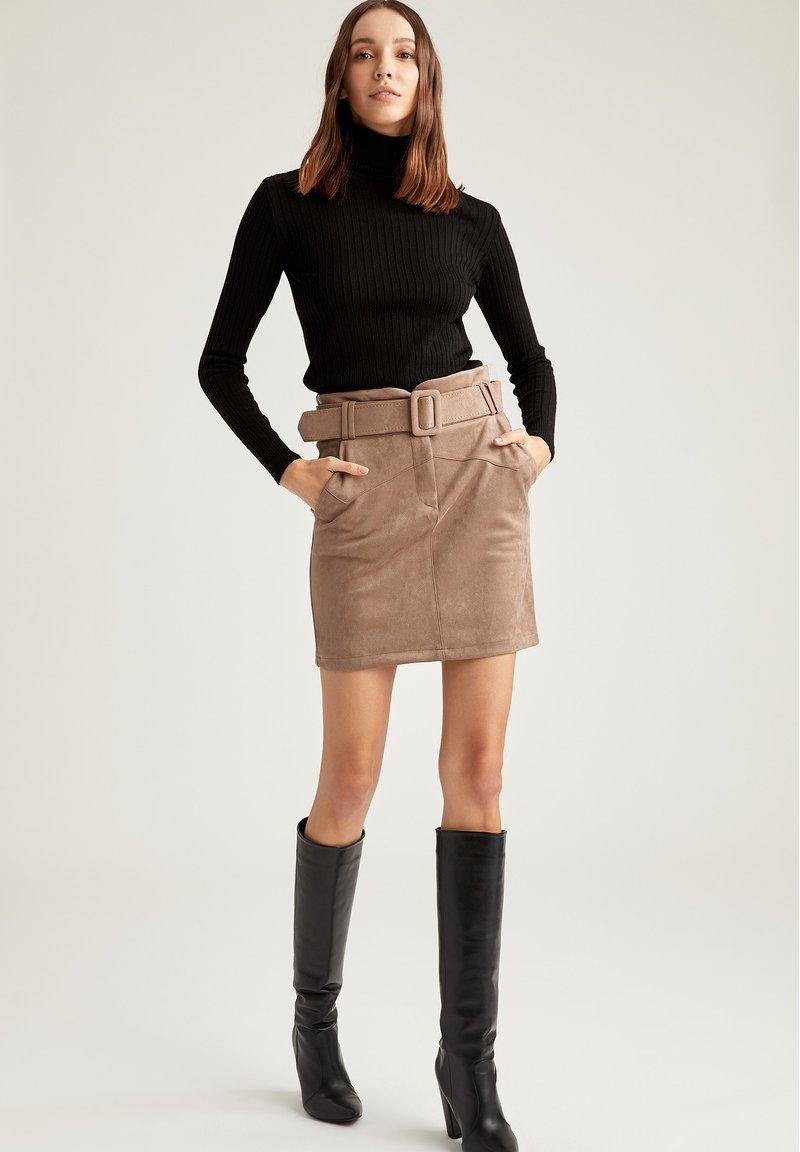 DeFacto - Mini skirt - beige