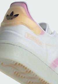 adidas Originals - SUPERSTAR FUTURESHELL  - Tenisky - ftwr white screaming pink crew yellow - 7