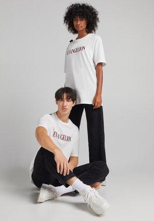 EVANGELION OVERSIZED - UNISEX - T-shirt z nadrukiem - white