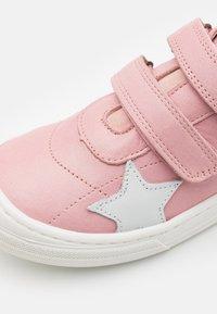 Bisgaard - KAE - Touch-strap shoes - rosa - 5
