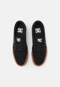 DC Shoes - TRASE UNISEX - Trainers - black - 3