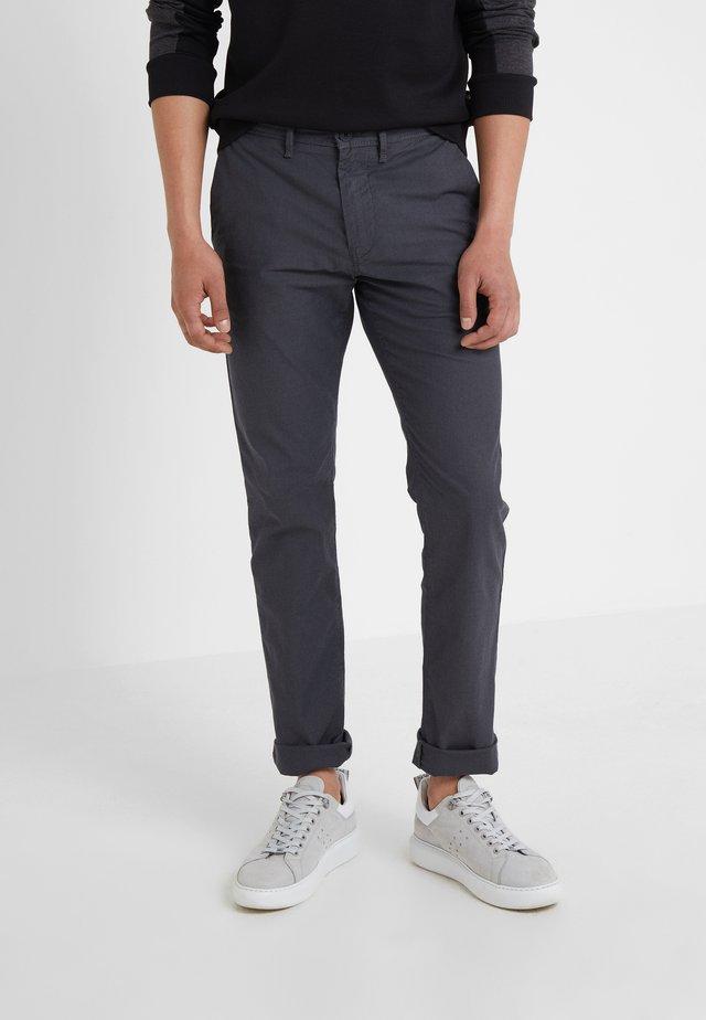 SCHINO MODERN - Pantalones chinos - charcoal