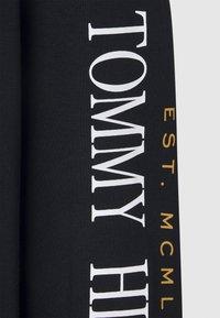 Tommy Hilfiger - MIRRORED FLAGS LONG SLEEVE - Longsleeve - blue - 3