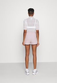 Nike Sportswear - Shorts - champagne/white - 2