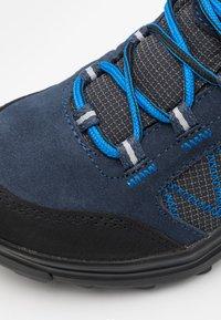 Campagnolo - KIDS THIAMAT LOW 2.0 SHOE WP UNISEX - Trekingové boty - black/blue - 5
