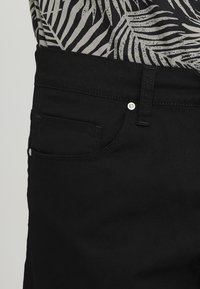 Carhartt WIP - SWELL WICHITA - Shorts - black rinsed - 3