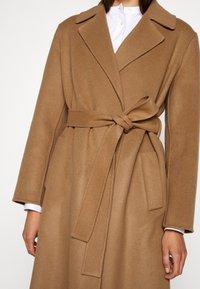 CLOSED - BALE - Zimní kabát - clay - 5
