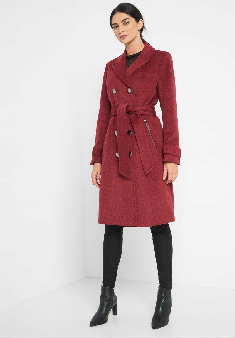 ORSAY - MIT BINDEGÜRTEL - Classic coat - weinrot
