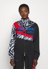 Han Kjøbenhavn - ANIMAL PRINT TRACK - Summer jacket - black - 0
