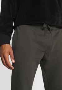 Burton Menswear London - 2 PACK - Trainingsbroek - black - 5