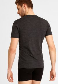 Icebreaker - ANATOMICA  - Basic T-shirt - jet heather/black - 2