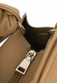Inyati - ARIA  - Handbag - camel - 3