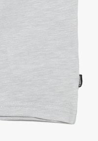 Converse - SPORT STRIPE RINGER TEE - T-shirt print - grey heather - 2