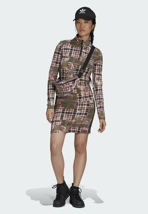 Vestido informal - multicolour
