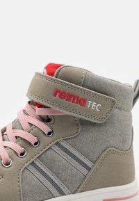 Reima - REIMATEC SHOES KEVENI UNISEX - Outdoorschoenen - light grey - 5