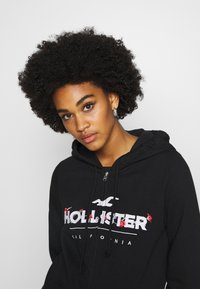 Hollister Co. - SECONDARY TECH CORE - Mikina na zip - black - 3
