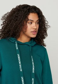 Active by Zizzi - Jersey con capucha - green - 3