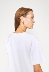 ARKET - T-SHIRT - T-shirt basic - white light - 4