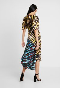 House of Holland - MIXED TIE DYE DRESS - Maxi dress - black and yellow multi - 2
