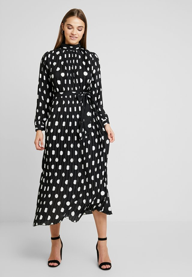 SPOT MAXI DRESS - Vestido de fiesta - black/white