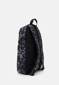 Nike Sportswear - UNISEX - Batoh - black/white - 1