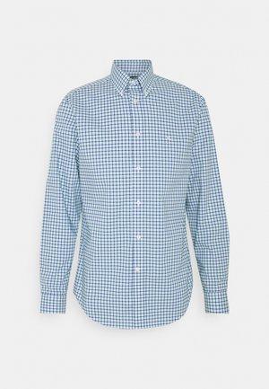 SUPIMA STRECH REGULAR FIT - Shirt - green