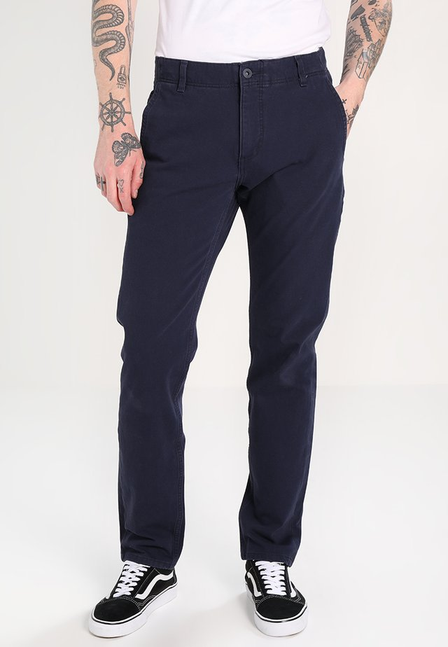 SMART FLEX ALPHA LIGHTWEIGHT TEXTURED - Pantalones chinos - pembroke