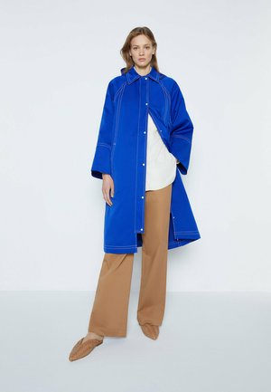 Trenchcoat - neon blue