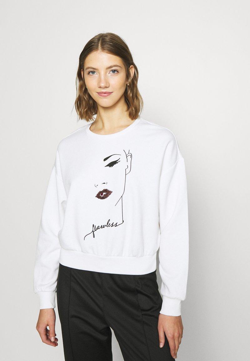 ONLY - ONLZITA LIFE SHORT LIPS BOX - Sweatshirt - bright white