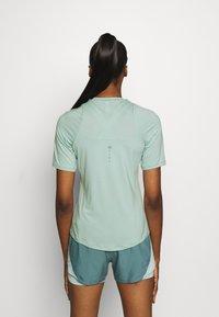 Under Armour - RUSH - Print T-shirt - enamel blue - 2