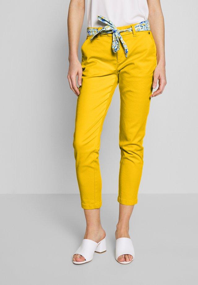 CLAUDIA FELICITA - Pantaloni - super lemon