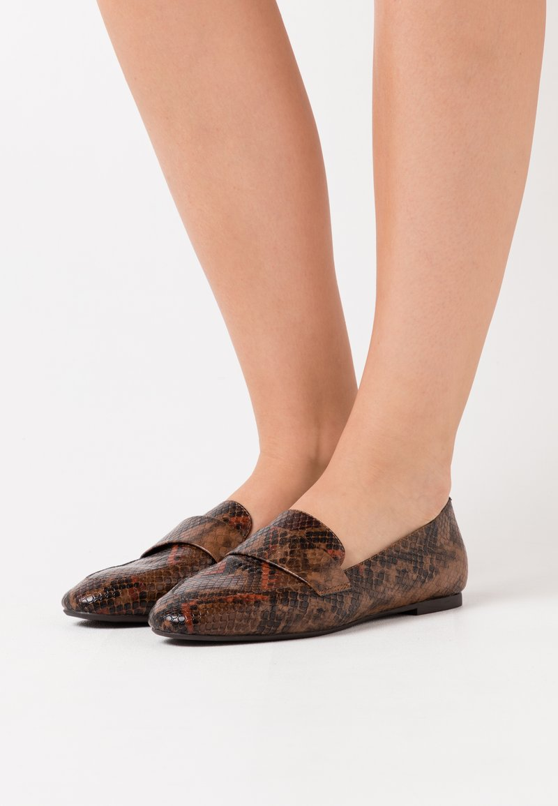 PARFOIS - Slip-ons - brown