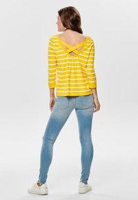ONLY - Sweatshirt - yellow - 2
